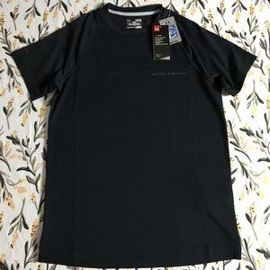 Under Armour men's athletic shirt NWT